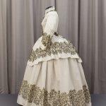 Suknia spacerowa około 1865-1869 r.